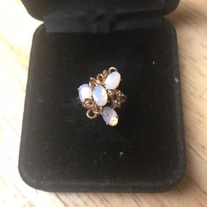 Jewelry - Opal cluster ring